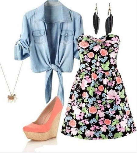 Sweet spring outfit, strapless mini dress with floral print and pink wedges