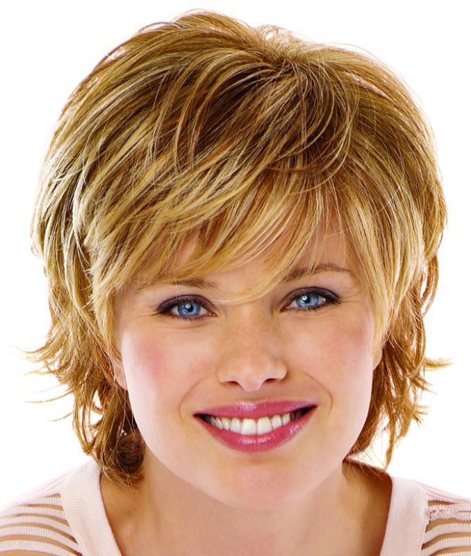 Short shaggy hairstyle for blonde hair