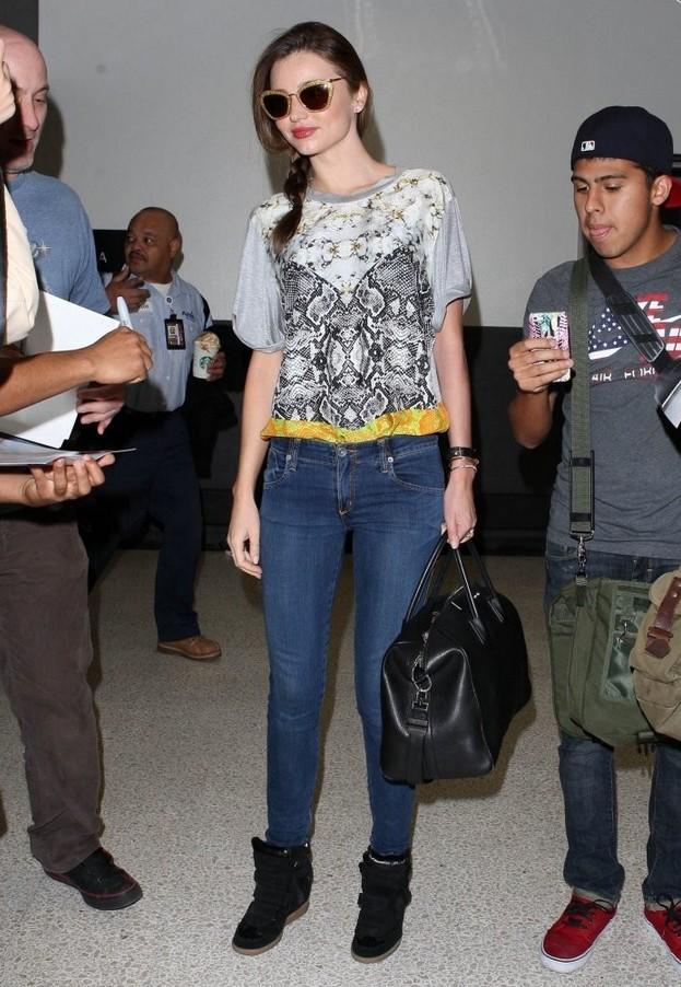 Miranda Kerr knitted top with loose print