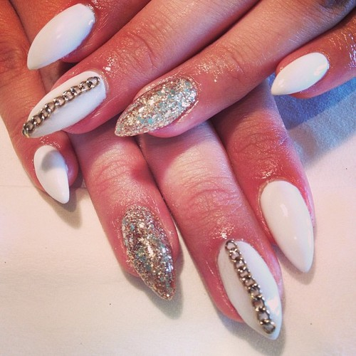 White and gold nails for noble nail designs
