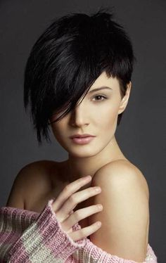 Short pixie hairstyle for long faces