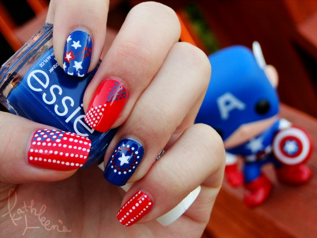 Amazing American flag-inspired nail design