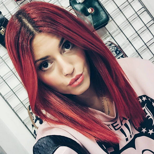 Medium straight hairstyle for red hair