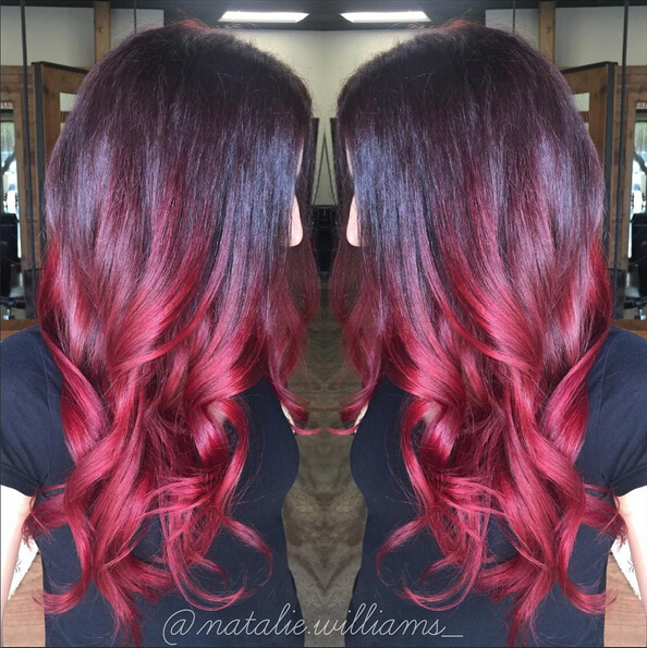 Long wavy hairstyle for red ombre hair