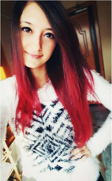 Long straight red ombre hair