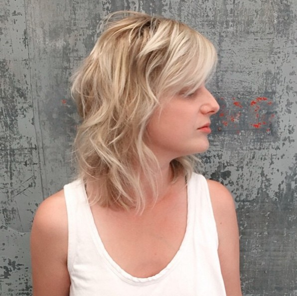 Blonde wavy shaggy hairstyle