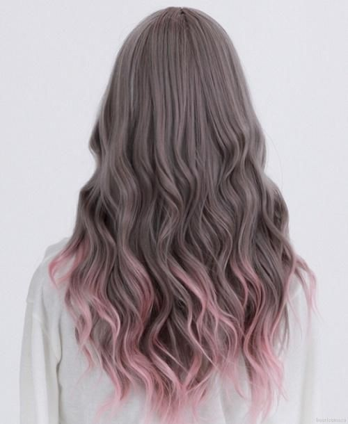 Long wavy hairstyle for purple ombre hair