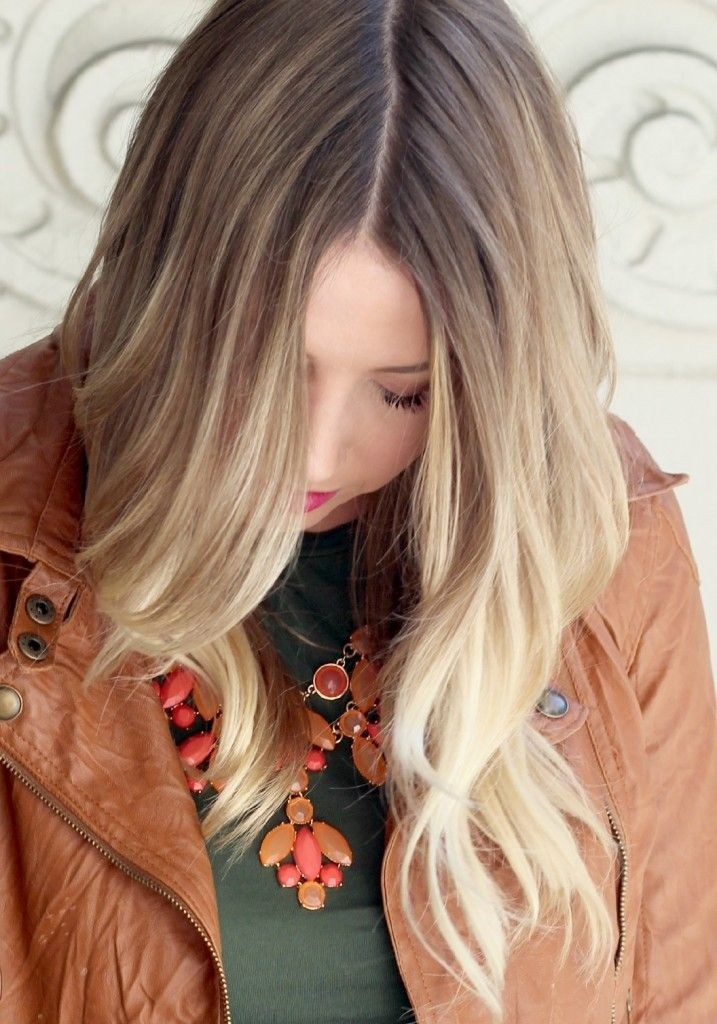 Simple long wavy hairstyle for ash blonde hair