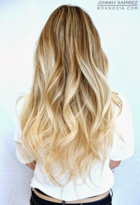 Long wavy hairstyle for blonde hair