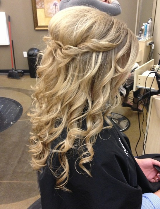 Long blonde wavy hair for prom hairstyles