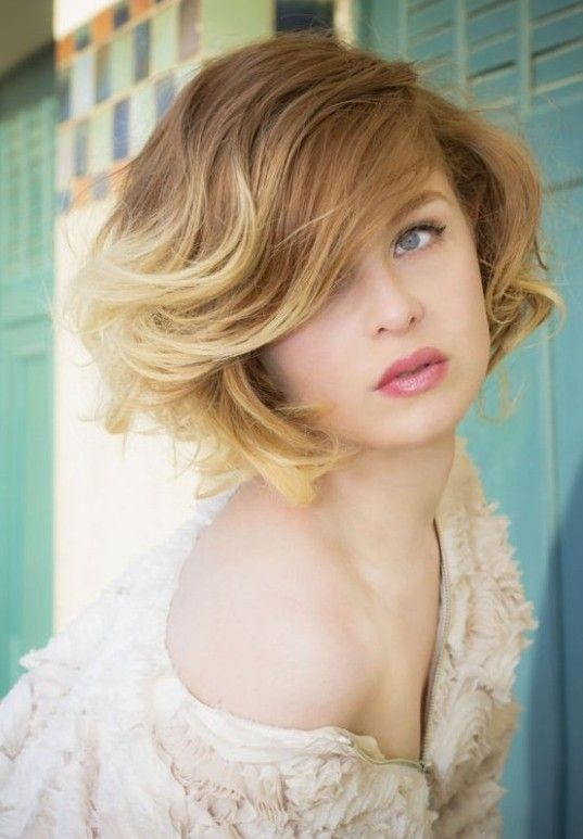 Wavy bob hairstyle for ombre hair
