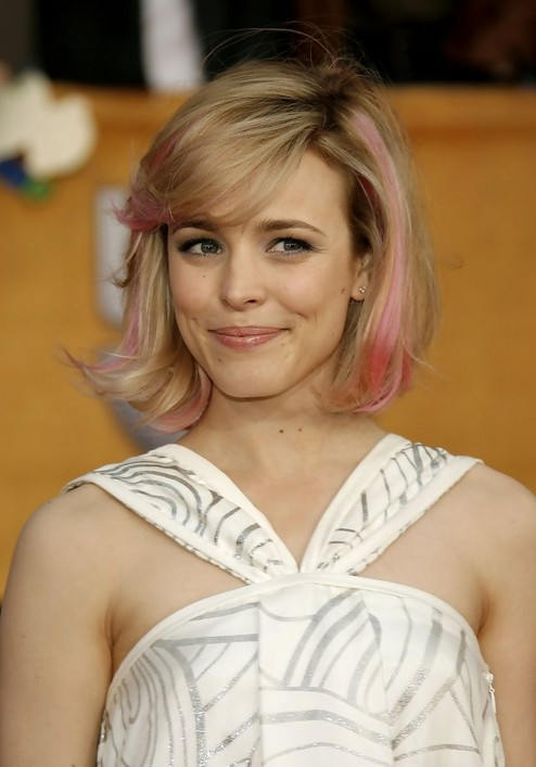 "Rachel McAdam's short pink blonde bob hairstyle with bangs ""width ="" 465"