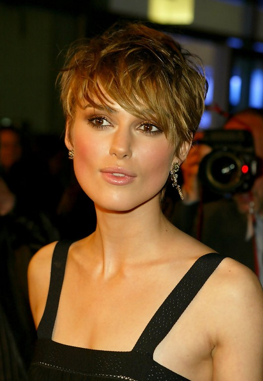 "Keira Knightley Sexy Messy Short Haircut with Bangs ""width ="" 465"