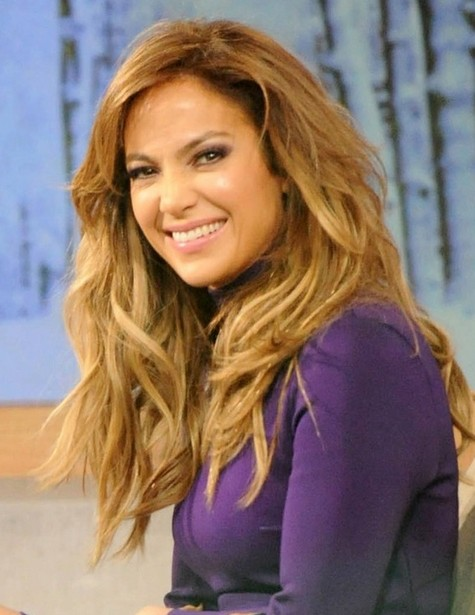 2014 Jennifer Lopez Hairstyles: Layered Wavy Hairstyle for Long Hair