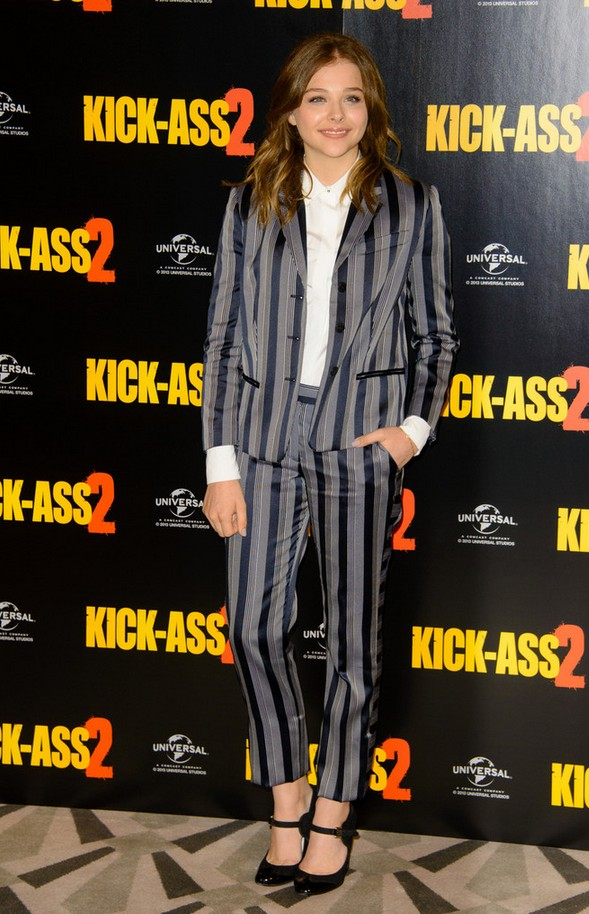 Chloe looked like a gray-dark blue striped pants suit from Viktor & Rolf
