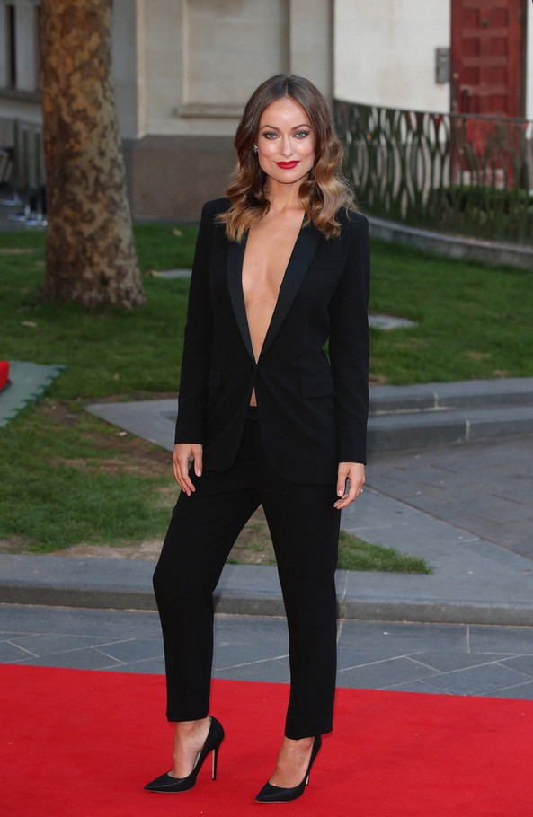 Olivia Wilde décolleté-black pants suit from Gucci