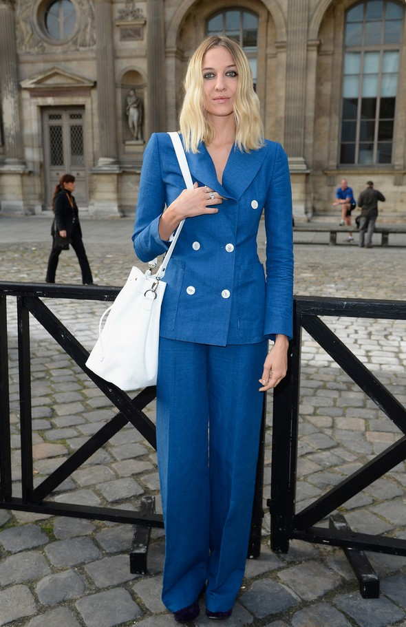 Luisa Orsini Simple blue pant suit with white buttons