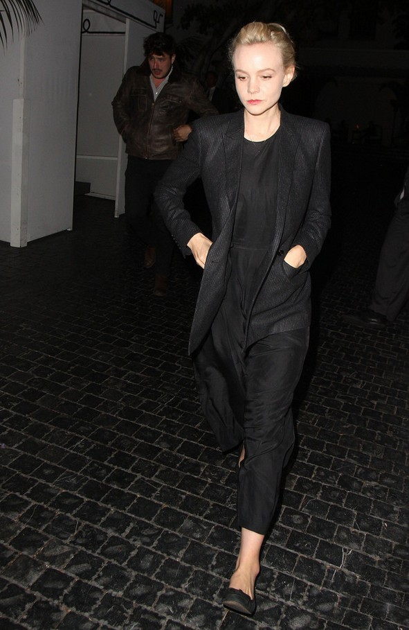 Carey Mulligan Relaxed black pants suit