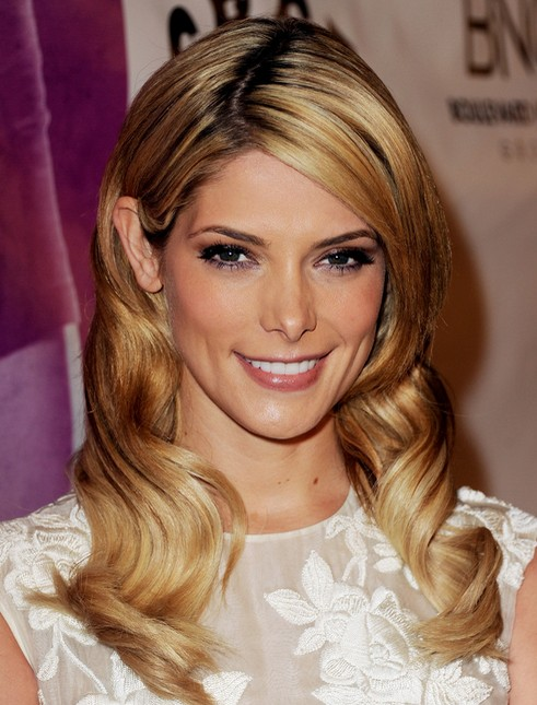 2014 Ashley Greene Hairstyles: Long Wavy Hair