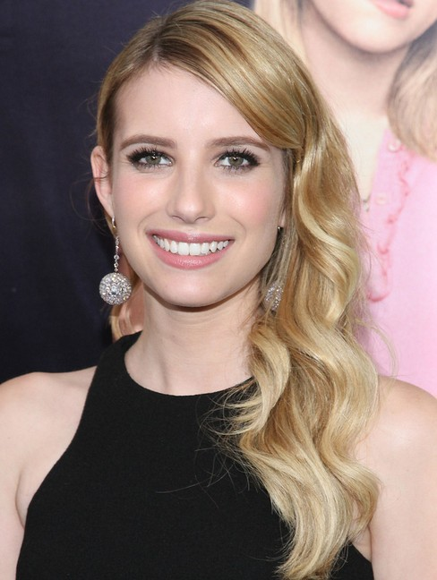 2014 Emma Roberts Hairstyles: Soft Long Wavy Hair