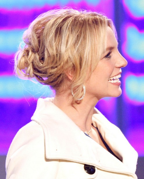 2014 Britney Spears Hairstyles: Blonde Messy Updo
