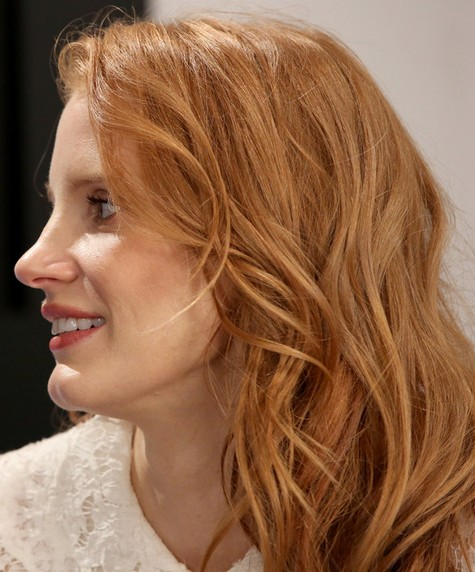 2014 Jessica Chastain Hairstyles: Blonde Layered Haircut