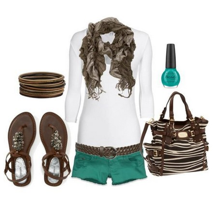 Daily outfit look, white knitted top, teal shorts and sandals