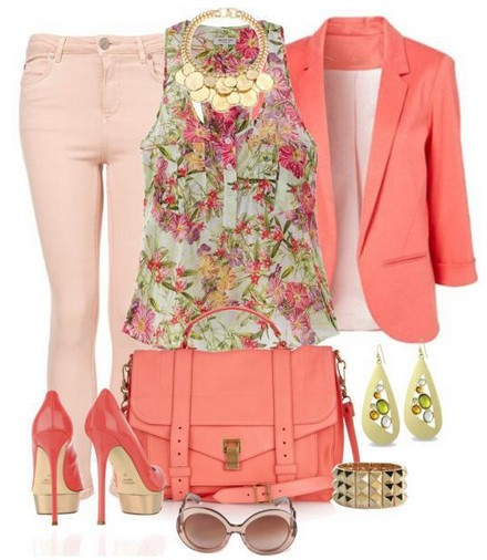 Daily outfit look, coral suit with floral print and pumps