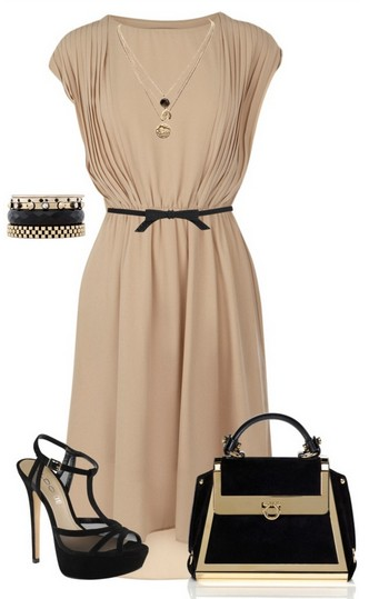 The naked and black outfit idea, the naked evening dress, the Birkin bag and the black pumps