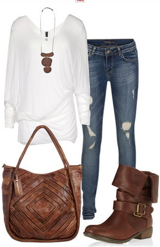 The casual outfit look, the loose white knitted top, the jeans and the brown vintage boots