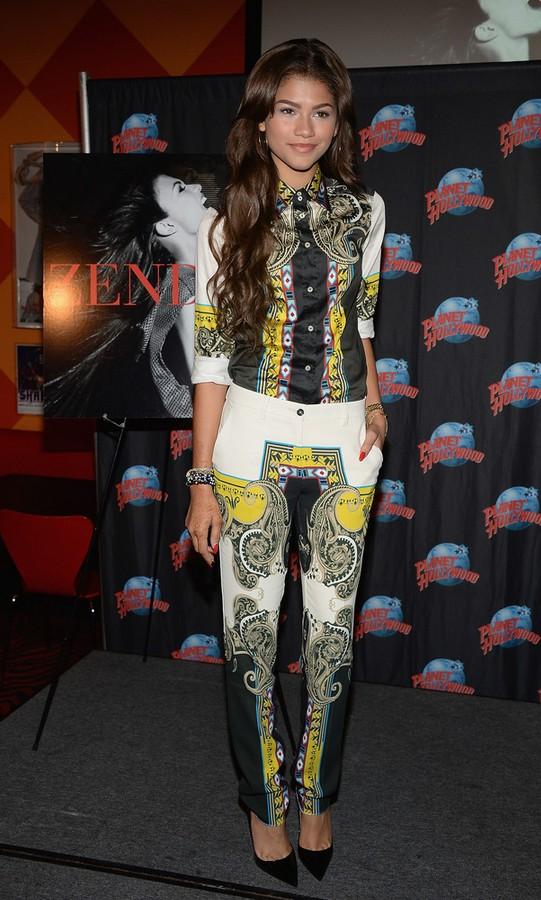 Zendaya Coleman trousers with a Laisley print