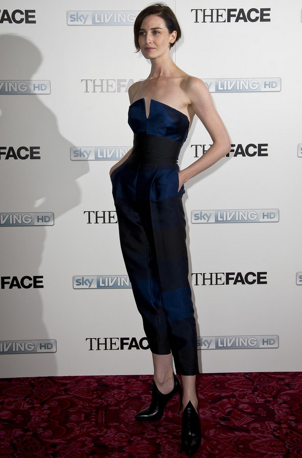 Erin O & # 39; Connor strapless blue jumpsuit by Stella McCartney
