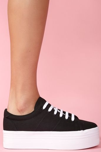 20 great sneakers for girls