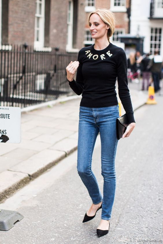 Black top, jeans and black flats