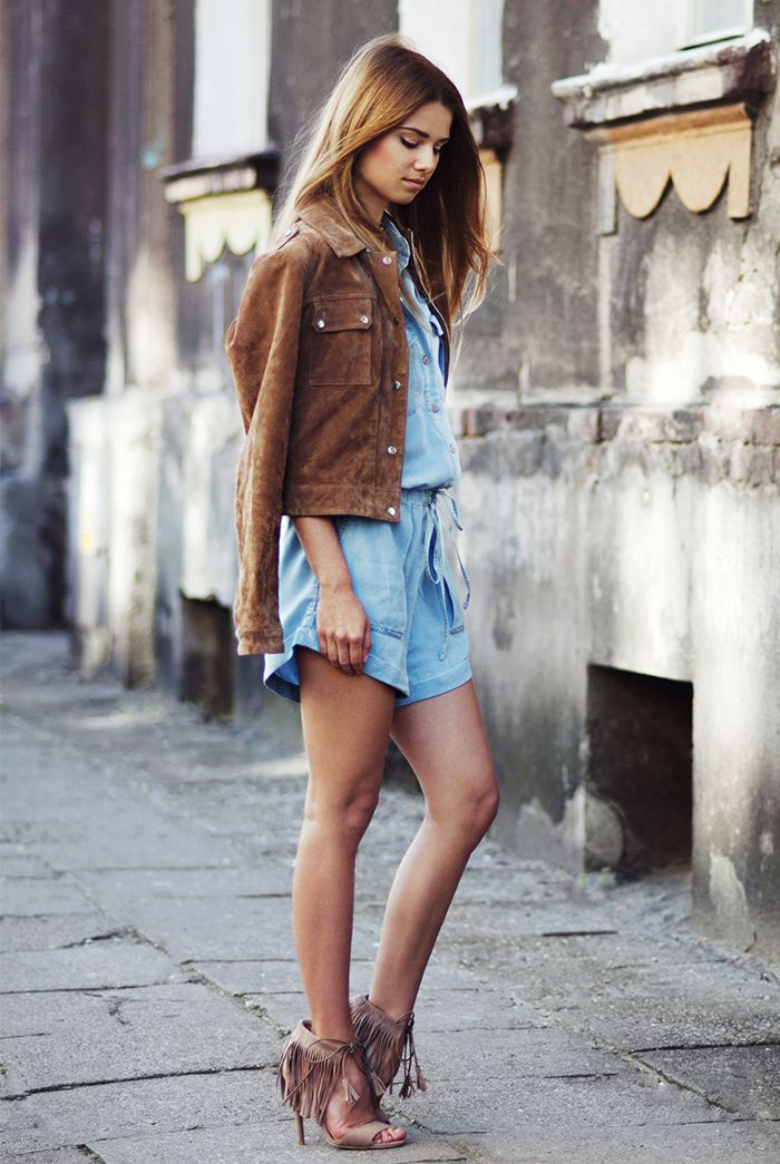 Suede coat and fringed sandals