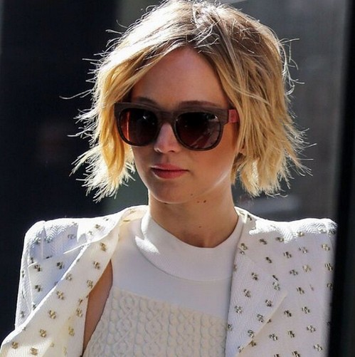 Short bob hairstyle for blonde hair