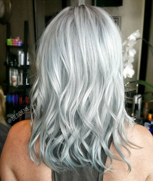 Medium wave hairstyle for silver gray hair