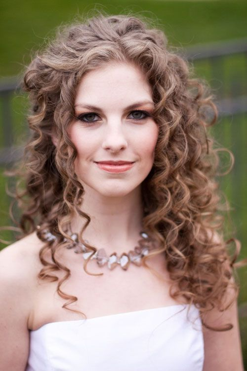 Beautiful curly wedding hairstyle