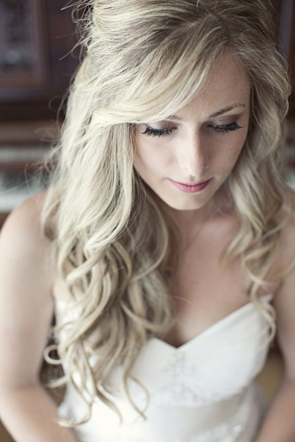 Loose long curly wedding hairstyle