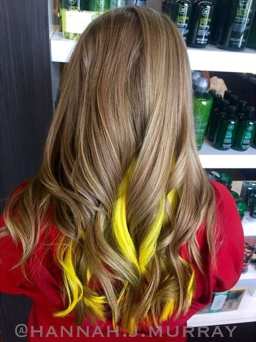 Yellow highlights for Sun-Kiss Curls