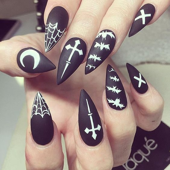 Black and white nails over