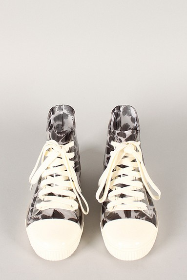 Front view of the Jelly Leopard lace-up sneaker