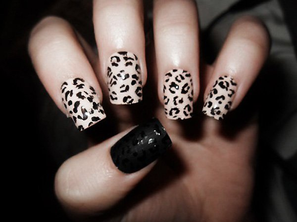 Classic nail design with leopard print