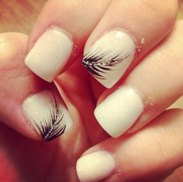Nude feather nail design