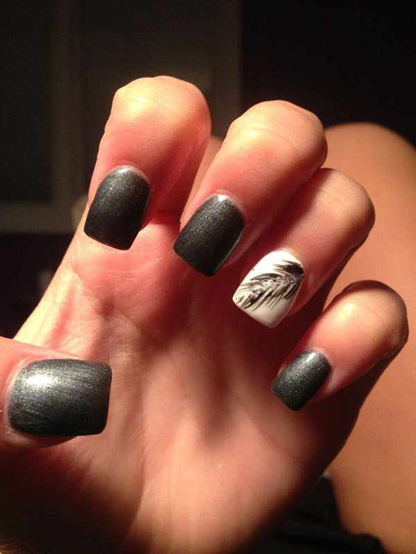 Gray feather nail design