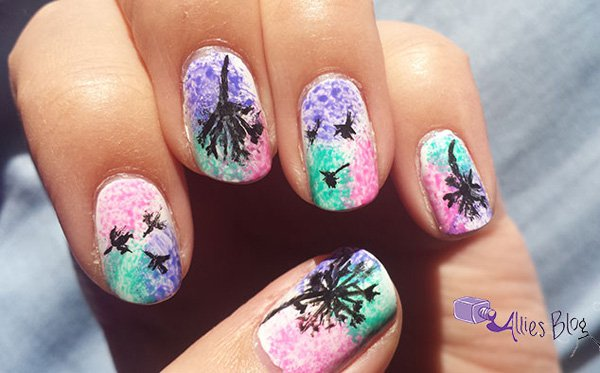 Abstract Dandilion nail design