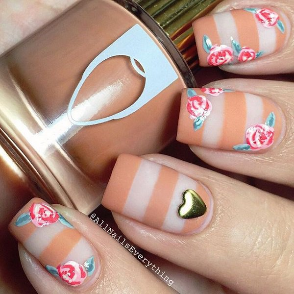 Nude floral nail design