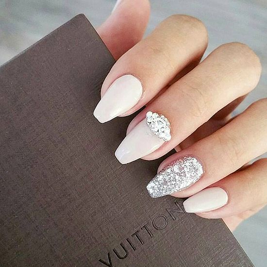 Embellished wedding nails