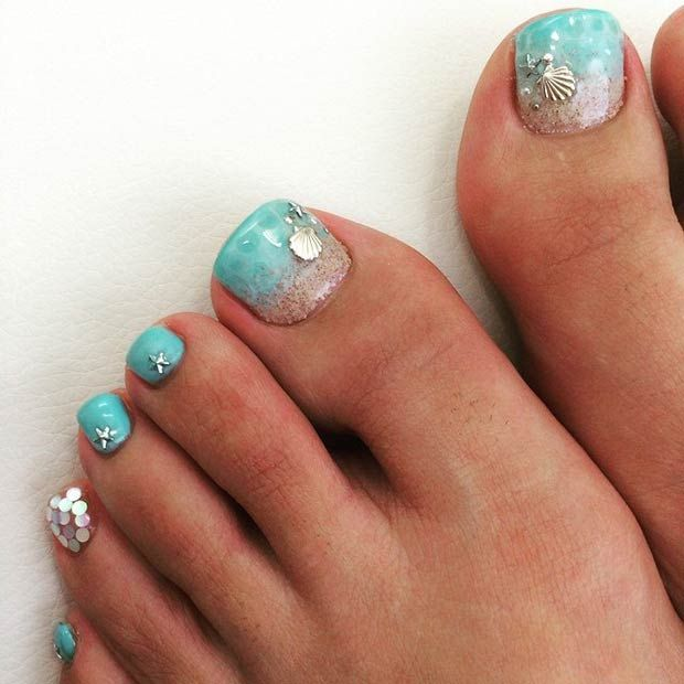 Beautiful beach toe nail design