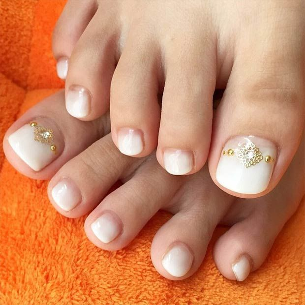 White toenail design